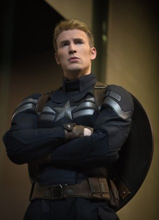 Captain America: The Winter Soldier: un primo piano di Chris Evans