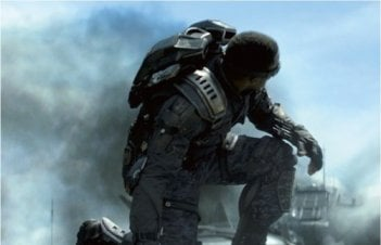 Captain America: The Winter Soldier - Anthony Mackie in azione
