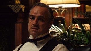 Marlon Brando è Don Vito Corleone nel film Il Padrino