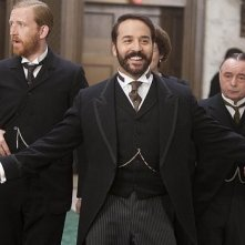 Jeremy Piven in una scena di Mr. Selfridge