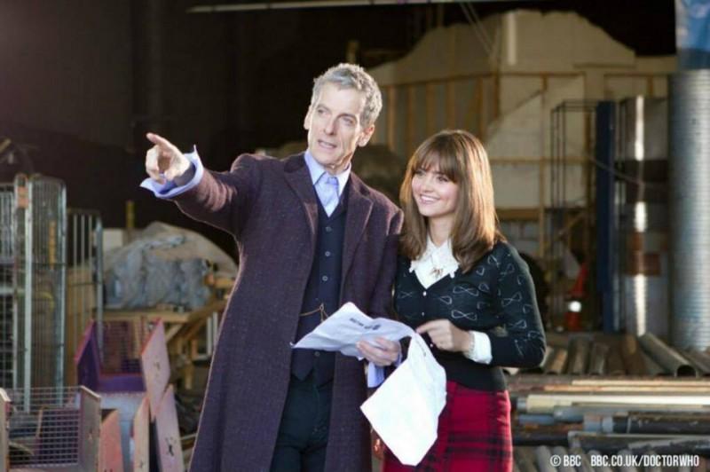 Doctor Who: Peter Capaldi e Jenna-Louise Coleman un'immagine dal set dell'ottava stagione della serie