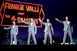 Jersey Boys: John Lloyd Young, Erich Bergen, Vincent Piazza e Michael Lomenda sul palco