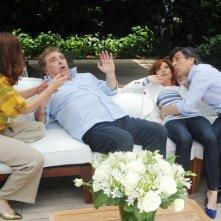 Sapore di te: Maurizio Mattioli in una scena del film con la 'moglie' Nancy Brilli, Vincenzo Salemme e Valentina Sperlì