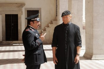 Don Matteo 9: Terence Hill e Nino Frassica nella fiction Rai