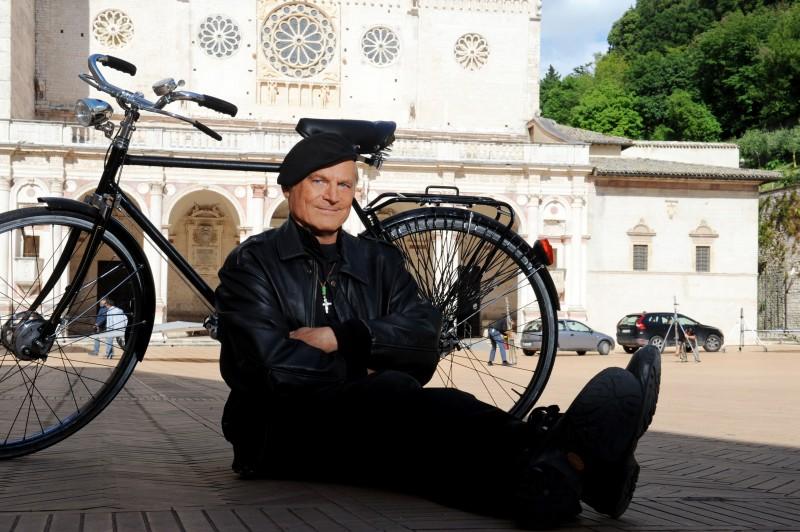 Don Matteo 9 Terence Hill In Una Foto Promozionale Della Fiction 296093