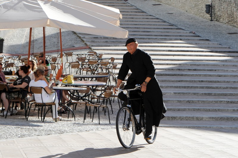 Don Matteo 9 Terence Hill In Una Scena Della Fiction 296092