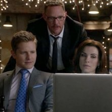 The Good Wife: Julianna Margulies, Matt Czuchry e Matthew Lillard in una scena dell'episodio Goliath and David