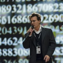 Transcendence: Johnny Depp parla delle sue teorie in una conferenza