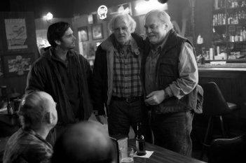 Nebraska: un'immagine di Will Forte, Stacy Keach e Bruce Dern tratta dal film