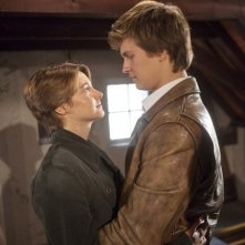 The Fault in Our Stars: un abbraccio tra Shailene Woodley e Ansel Elgort