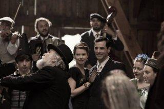 Anita B.: Antonio Cupo e Andrea Osvart danzano in una scena