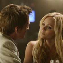 Bitten: Laura Vandervoort e Paul Greene in una scena