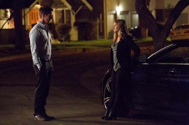 Veronica Mars Jason Dohring E Kristen Bell In Una Scena Notturna 296362