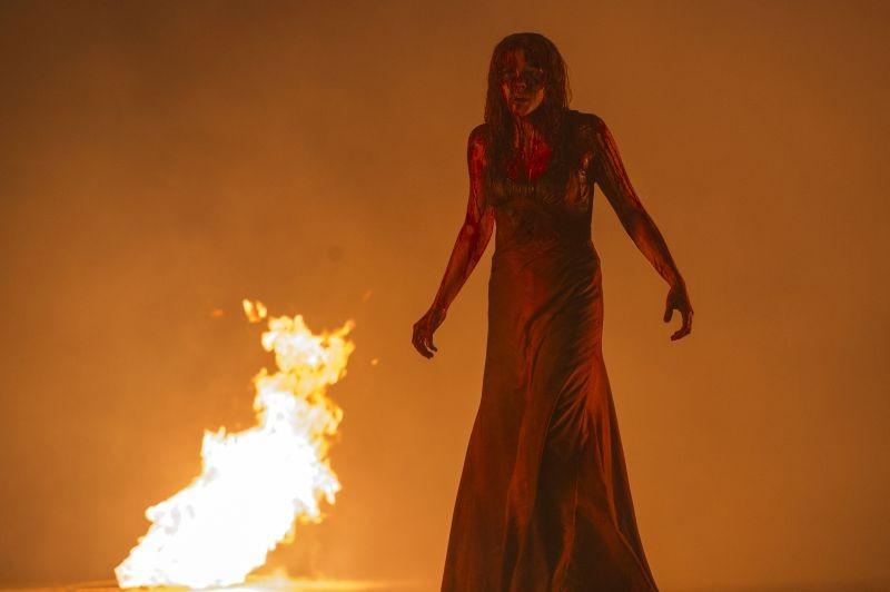 Carrie Chloe Moretz Tra Le Fiamme In Una Scena Del Film 296698