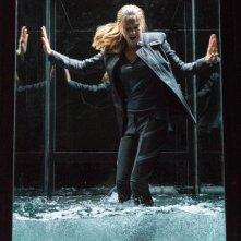 Divergent: Shailene Woodley intrappolata in una gabbia di vetro