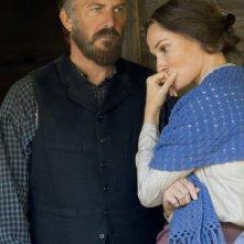 Hatfields & McCoys: Kevin Costner e Sarah Parish in una scena