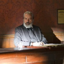 Hatfields & McCoys: Powers Boothe in una scena