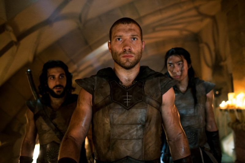 I Frankenstein Jai Courtney E Gideon In Una Scena Del Film 296563