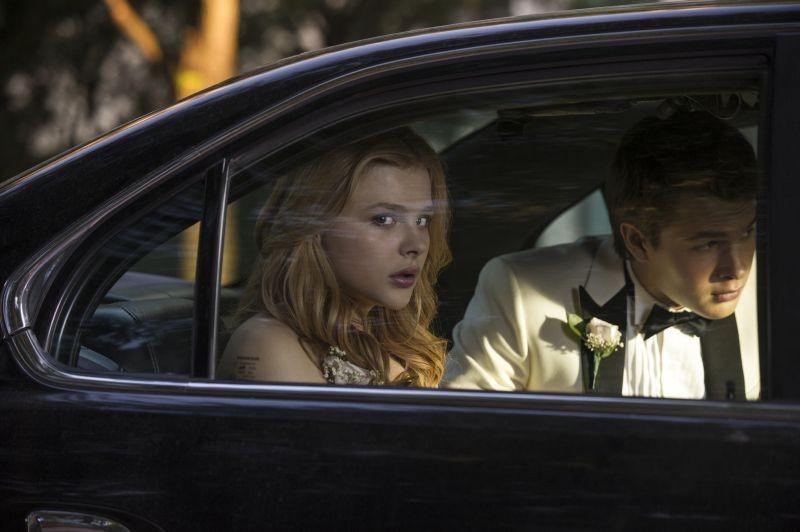 Lo Sguardo Di Satana Carrie Lo Sguardo Agghiacciante Di Chloe Moretz In Una Scena Del Film 296712