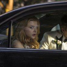 Lo sguardo di Satana - Carrie: lo sguardo agghiacciante di Chloe Moretz in una scena del film