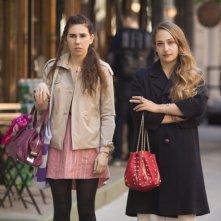 Girls: Zosia Mamet e Jemima Kirke nell'episodio Females Only
