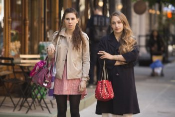 Girls: Zosia Mamet e Jemima Kirke nell'episodio Females Only