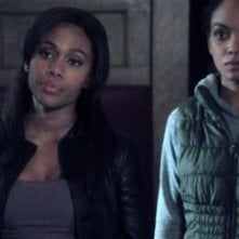 Lyndie Greenwood e Nicole Beharie in Vessel, 11esimo episodio di Sleepy Hollow