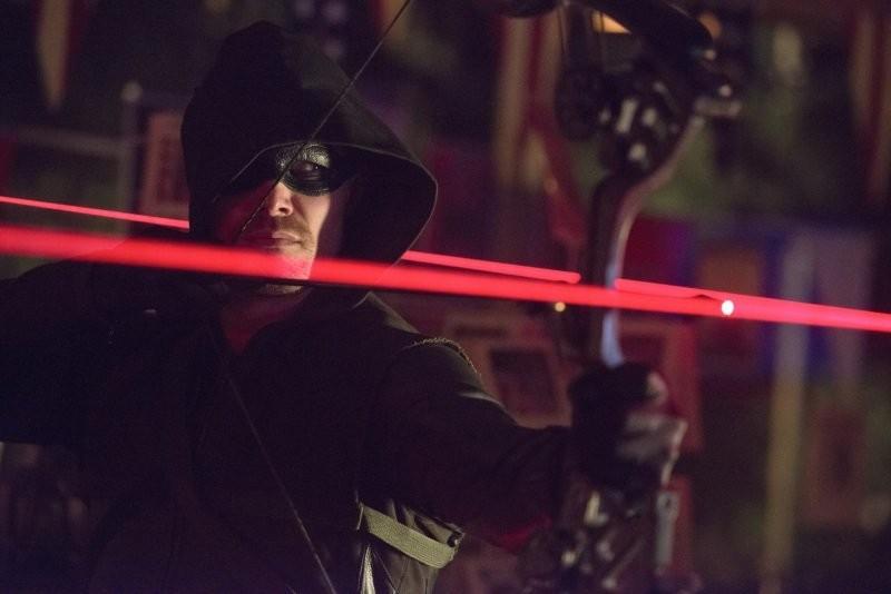 Arrow Stephen Amell In Una Scena Dell Episodio Blast Radius 296986