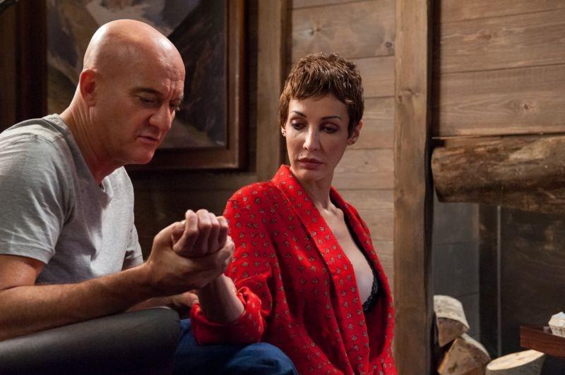 La Gente Che Sta Bene Claudio Bisio Con Jennipher Rodriguez In Una Scena 296968