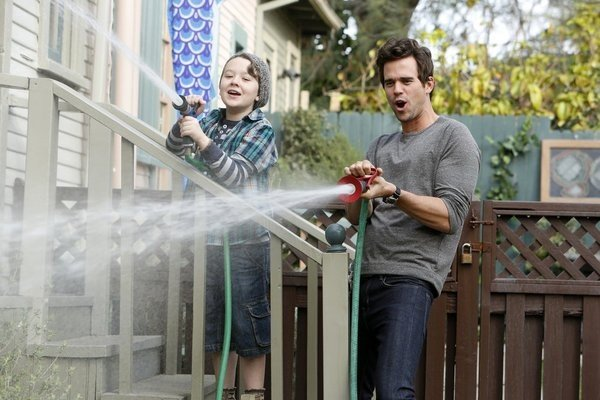 About A Boy: David Walton e Benjamin Stockham in una scena