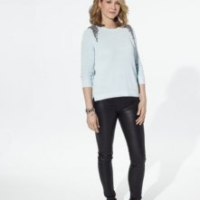 Growing Up Fisher: Jenna Elfman in una immagine promozionale della serie