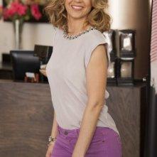 Growing Up Fisher: Jenna Elfman in una scena della serie