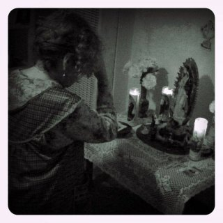 Un'immagine tratta dal film horror Il segnato