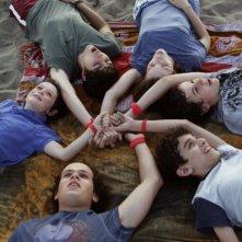 Braccialetti Rossi: Mirko Trovato (Davide), Aurora Ruffino (Cris), Pio Piscicelli (Toni), Carmine Buschini (Leo), Brando Pacitto (Vale) e Lorenzo Guidi (Rocco) in una scena della fiction