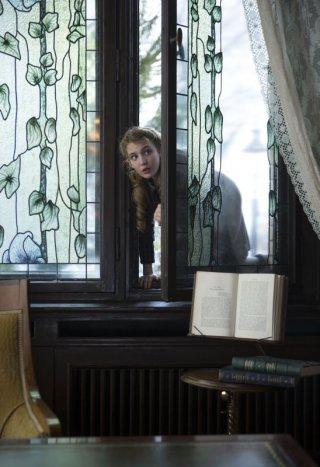 Storia di una ladra di libri: la protagonista Sophie Nélisse in una scena