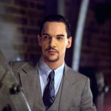 Dracula: Jonathan Rhys Meyers nell'episodio Let There Be Light