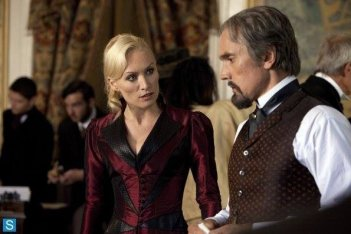 Dracula: una scena dell'episodio Let There Be Light