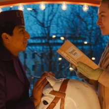 The Grand Budapest Hotel: Saoirse Ronan e Tony Revolori in una scena