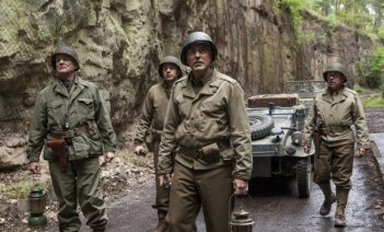 The Monuments Men: George Clooney, Bill Murray e Bobo Balaban in una scena del film