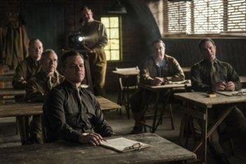 The Monuments Men: Matt Damon, Bill Murray, Bob Balaban, Jean Dujardin e John Goodman in una scena del film