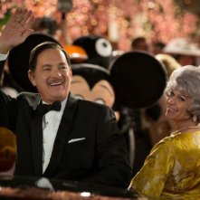 Saving Mr. Banks: Tom Hanks nei panni di Walt Disney in una scena con la 'moglie' Dendrie Taylor
