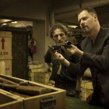 Smetto quando voglio: Pietro Sermonti e Valerio Aprea in una scena della commedia criminale