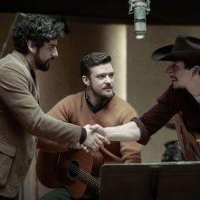 A proposito di Davis: Oscar Isaac e Justin Timberlake in una scena