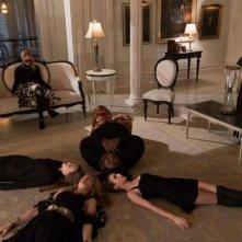 American Horror Story, Coven: episodio The Seven Wonders, le ragazze 'scendono' nei loro inferni