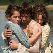 Beloved sisters: Florian Stetter in una scena insieme a Henriette Confurius e Hannah Herzsprung