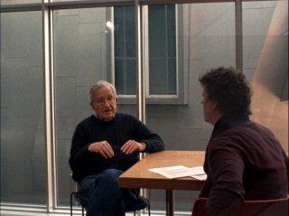 Is the Man Who Is Tall Happy?: Noam Chomsky e Michel Gondry sul set