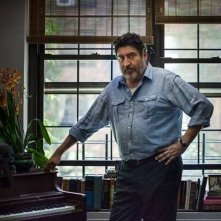 Love is strange: Alfred Molina in un momento del film