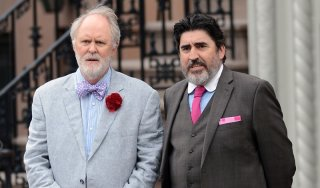Love is strange: Alfred Molina insieme a John Lithgow in un momento del film