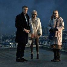 Non buttiamoci giù: Pierce Brosnan con Toni Collette e Imogen Poots in una drammatica scena