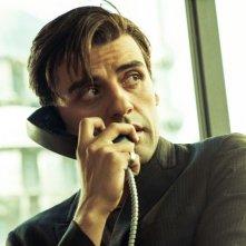 Oscar Isaac in una scena del film I due volti di gennaio